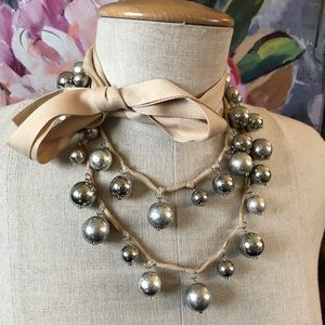 ANN TAYLOR silver bauble beauty bow necklace 🎀